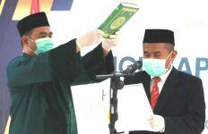 Bermasker Ucapkan Sumpah di Bawah Alquran, Didik Supriyanto Resmi Masuk DKPP - JPNN.com