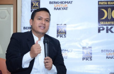 Politikus PKS: Stafsus Presiden Jokowi Melanggar UU 30/2014, Tidak Cukup Hanya Minta Maaf - JPNN.com