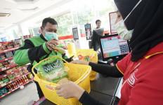Go-Jek Bagikan Sembako untuk Mitra Driver - JPNN.com