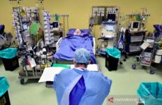 Cerita Dokter yang Merawat Pasien Corona: Kami Melihat Hal-Hal Mengerikan Akhir-akhir Ini - JPNN.com