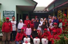 PDIP Bangka Belitung Berikan 15 Ton Beras Untuk Warga Terkena Dampak COVID-19 - JPNN.com