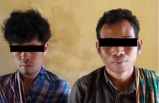 2 Pemuda Ketahuan Berbuat Terlarang Dekat Musala - JPNN.com