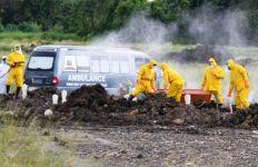 Cerita Sopir Ambulans Jenazah Corona, Waswas di Jalan, Hadapi Kerumunan Warga di Pemakaman - JPNN.com
