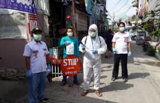 Forum Relawan Jokowi Sambangi Rumah Padat Penduduk - JPNN.com