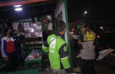 Beginilah Tindakan Brimob saat Melihat Pesta Miras di Tengah Pandemi Corona - JPNN.com