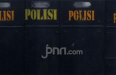 Gedung DPR Dikepung Dua Aksi Demo, Ini yang Dilakukan Polisi - JPNN.com