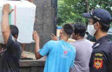 Bea Cukai Kudus Gagalkan Pengiriman Rokok Ilegal di Tengah Pandemi Corona - JPNN.com