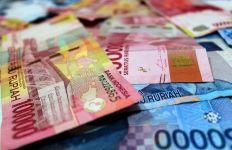 Kabar Buruk, Rupiah terhadap Dolar AS Terjun Bebas - JPNN.com