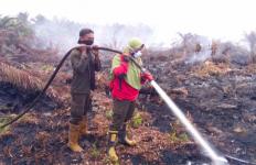 Hari Kartini: Perjuangan Para Srikandi Manggala Agni, Tak Gentar Melawan Panasnya Api Karhutla - JPNN.com