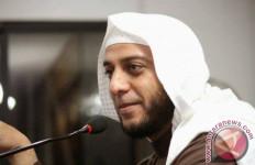 Syekh Ali Jaber Tidak Pakai Handphone 2 Tahun Demi Menghormati Istri - JPNN.com