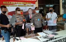 Polisi Ringkus 12 Remaja Anggota Gangster, Bikin Senjata Sendiri - JPNN.com