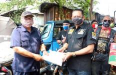 Bamsoet Berikan Bantuan Sosial Kepada Paguyuban Sopir Bajaj - JPNN.com