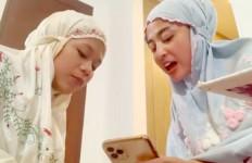 Dewi Perssik Mau Biayai Sekolah Cimoy Montok, Asalkan - JPNN.com