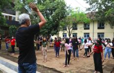 Ganjar Minta Tolong pada Ribuan Mahasiswa yang tak Pulang Kampung  - JPNN.com