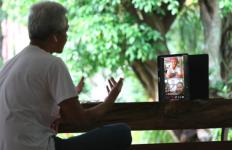 Ngabuburit Online ala Pak Ganjar, Kali Ini ada Bincang-Bincang dengan Penari Cantik - JPNN.com