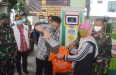 Disambut Ratusan Warga, Mentan Tinjau ATM Beras di Bogor - JPNN.com