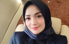 Ini Pesan Penting Imel Putri Cahyati untuk Zaskia Gotik - JPNN.com