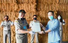 Kementan Keluarkan Sertifikat agar Sabut Kelapa Jabar Banjiri Tiongkok - JPNN.com
