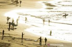 Mereka Ceria Berhamburan ke Pantai, Kapan Kita Boleh Main lagi ke Ancol, Kuta, Anyer - JPNN.com