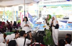 Sarling di Pangandaran: Atalia Ajak Pelajar Tangkal Hoaks Virus Corona - JPNN.com