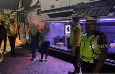 Berani Menyelundup di Truk atau Bus untuk Mudik? Ini Konsekuensinya - JPNN.com