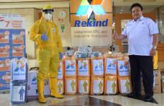 Rekind Berdayakan Mitra Binaan Produksi APD  - JPNN.com