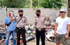 Bongkar Rongsokan di Gudang, Pengepul Ini Menemukan Barang Mengejutkan - JPNN.com