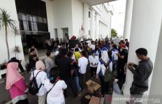 Cholderia: Para TKA Itu Buruh Kasar, Bawa Alat Berat, Kita pun Bisa Kerja Seperti Itu - JPNN.com