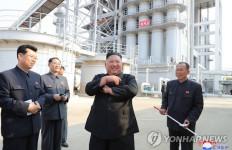 Lihat, Kim Jong-un Muncul di Pabrik Pupuk dan Tampak Sehat Banget - JPNN.com