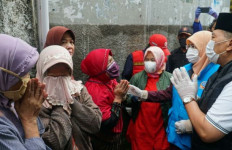Tangis Ibu-ibu Pecah di Hadapan Wali Kota Bandung - JPNN.com