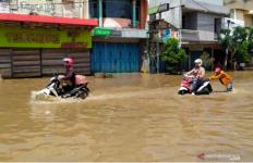 Dua Kabupaten di Kalsel Terendam Banjir, Parah - JPNN.com
