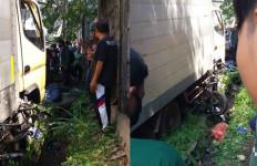 Braaak! Pengendara Motor Ditabrak Truk Boks, Rahmatullah Meninggal Dunia - JPNN.com