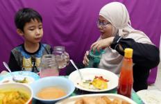 Kapan Waktu yang Tepat Ajarkan Anak untuk Berpuasa? - JPNN.com