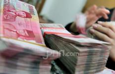 Kabar Kurang Sedap, Rupiah Terus Merosot Dekati Rp15.000 per Dolar AS - JPNN.com