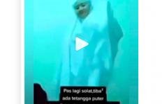 Viral Salat Sambil Joget Centil, Ria Ernawati Langsung Dijemput Polisi - JPNN.com