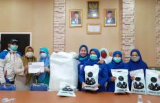 Majelis Zikir Annisa Nurussalam Donasikan APD ke Rumah Sakit - JPNN.com