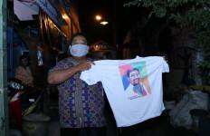 Warga Putat Jaya Dapat Kiriman Makanan Sahur Gratis dari Cak Machfud  - JPNN.com