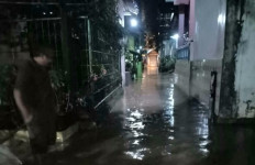 Hujan Deras, Semarang Dikepung Banjir dan Longsor - JPNN.com