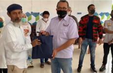 Bamsoet Salurkan Sembako ke Guru Ngaji, Pimpinan Majelis Taklim dan Pengurus Musala - JPNN.com