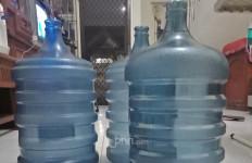 Aktivis Lingkungan Soroti Produsen Air Minum Galon Sekali Pakai - JPNN.com