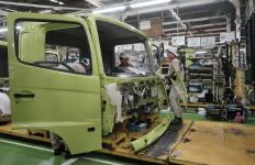 Hino Indonesia Terpaksa Setop Sementara Pabrik - JPNN.com