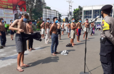 Para Pemuda Sontoloyo Balap Liar Saat Sahur, Dijemput Polisi Langsung Ikut Rapid Test Corona - JPNN.com