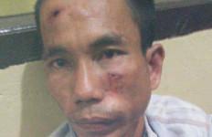 Tepergok Berbuat Terlarang di Rumah Nenek Ciknung, Erwin Diamuk Massa Jadi Kayak Begini - JPNN.com