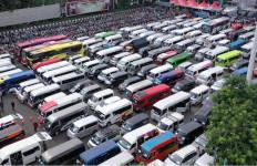 Angkut Pemudik, Travel Gelap Patok Harga Selangit - JPNN.com