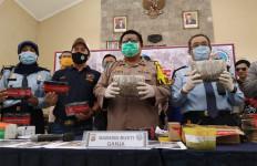 Baru Berusia 14 Tahun Sudah Berbuat Terlarang Sebesar Ini - JPNN.com