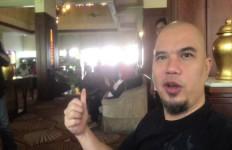 Ahmad Dhani Menduga Jaksa Tahu Siapa Sebenarnya Penyiram Air Keras ke Wajah Novel Baswedan - JPNN.com