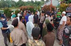 Terjadi Lagi, Jenazah PDP Corona Ditolak Warga, Pemakaman Terpaksa Dipindah - JPNN.com
