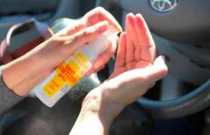 Hand Sanitizer Meledak di Dalam Mobil, Bocah Ini Jadi Korban - JPNN.com