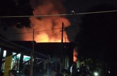 Kebakaran di Tanjung Duren Selatan, Diduga Ini Penyebabnya - JPNN.com