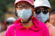Tidak Pakai Masker di Malaysia, Siap-Siap Bayar Denda Rp 3,4 Juta - JPNN.com